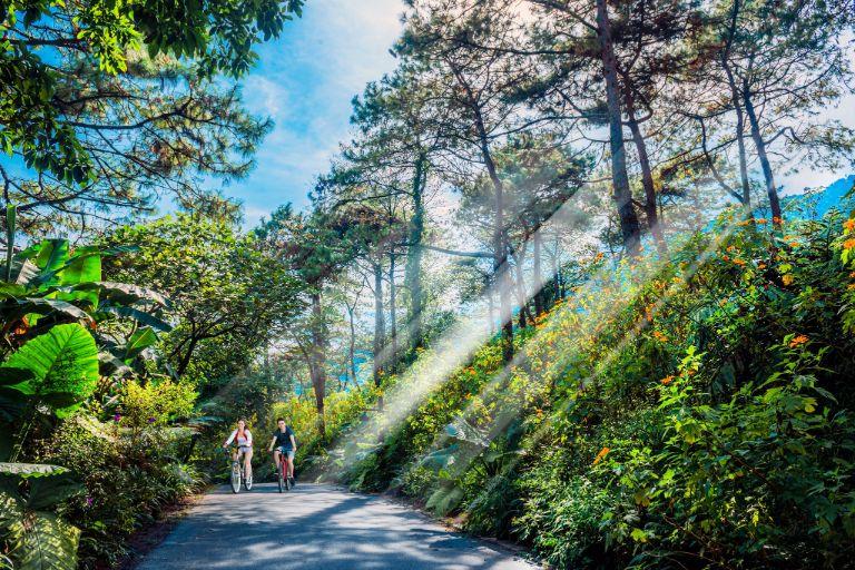 Đạp xe khám phá Melia Bavi resort
