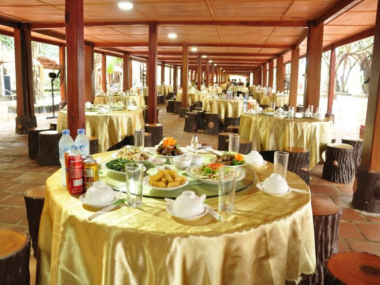 Nhà hàng Á Âu của Paragon Hill resort - Ba vì - Hà nội