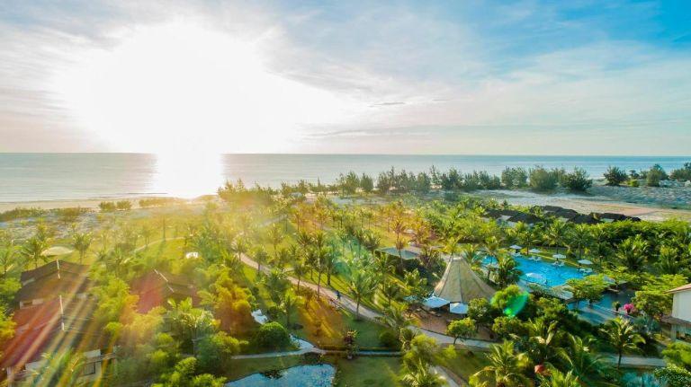 TOP 8 Resort Quảng Bình gần biển có dịch vụ cao cấp